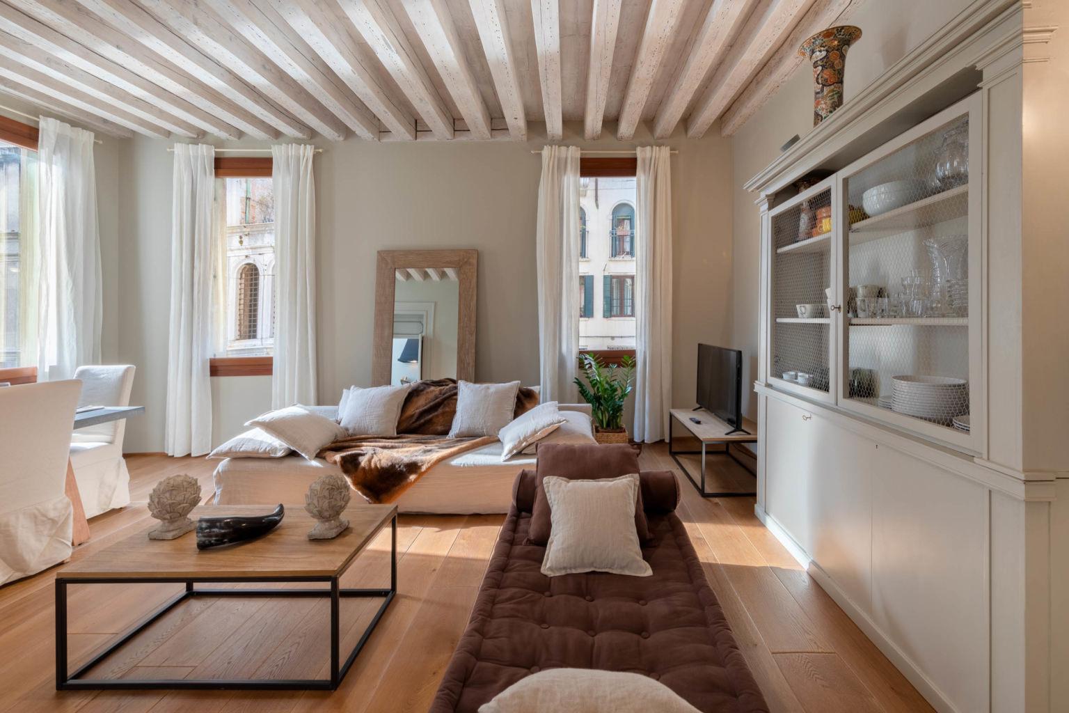 Servizio Fotografico Appartamento a Venezia con Vista sul Ponte dei Sospiri